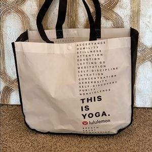 Medium reusable lululemon bag